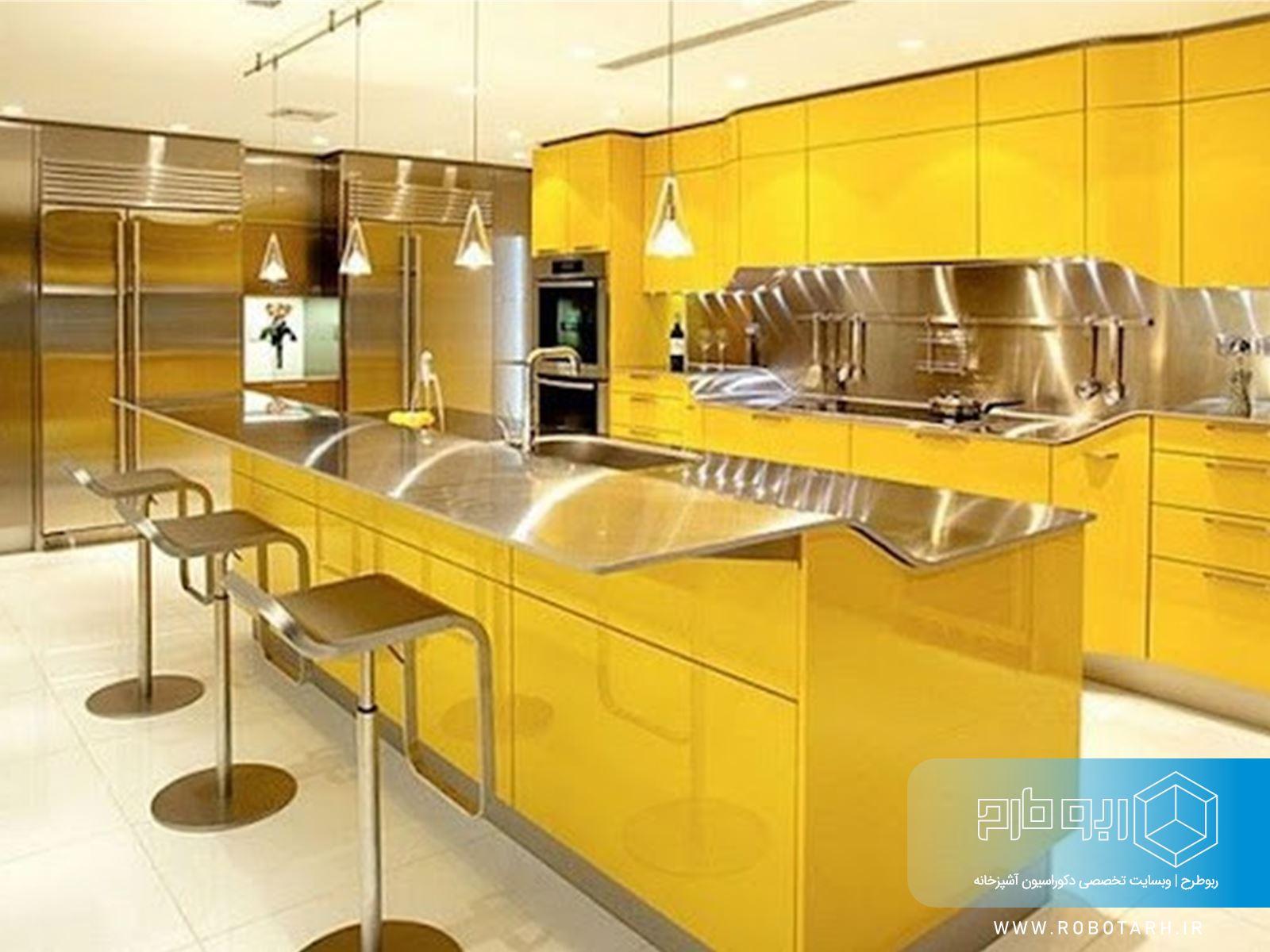 ترکیب کابینت آشپزخانه زرد و استیل
