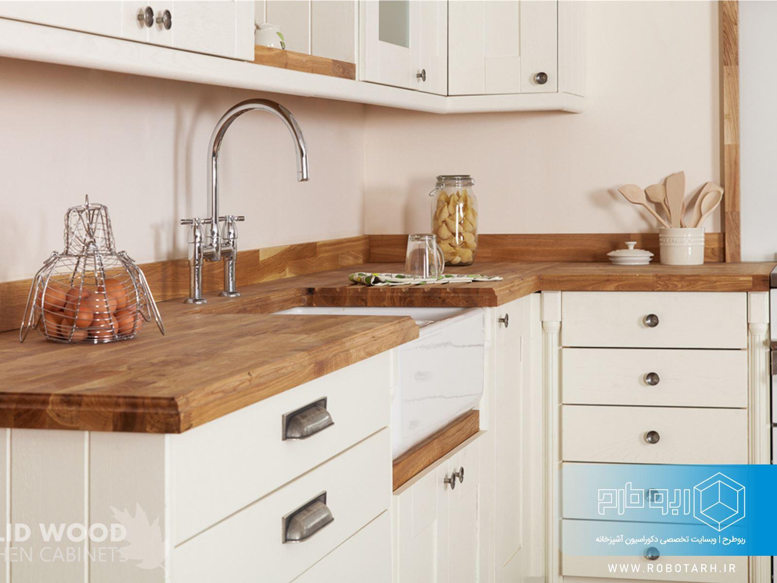 ترکیب رنگ قهوه ای و کرم در کابینت آشپزخانه